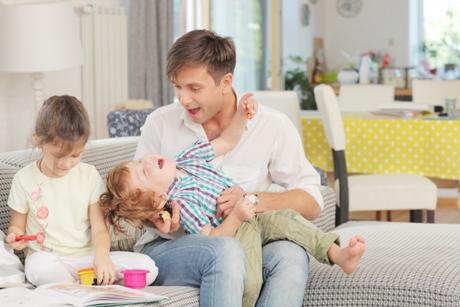 デメリット5|音・ニオイが2階に抜けやすい!家庭内騒音でプライベート面の心配も