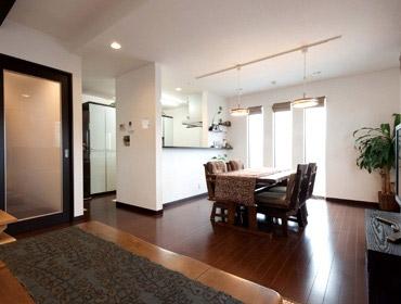 本体価格1,500~2,000万円の40坪の3階建て住宅